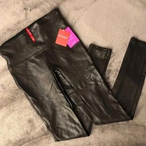 Spanx faux leather leggings. NWT. Small.